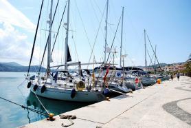 Přístav v hlavním městě Argostoli, Kefalonia