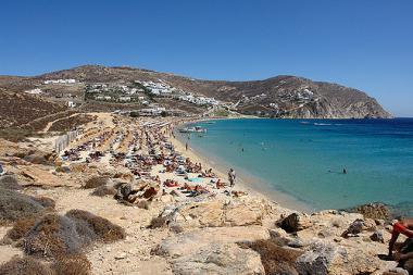 Jedna z pláží na ostrově Mykonos